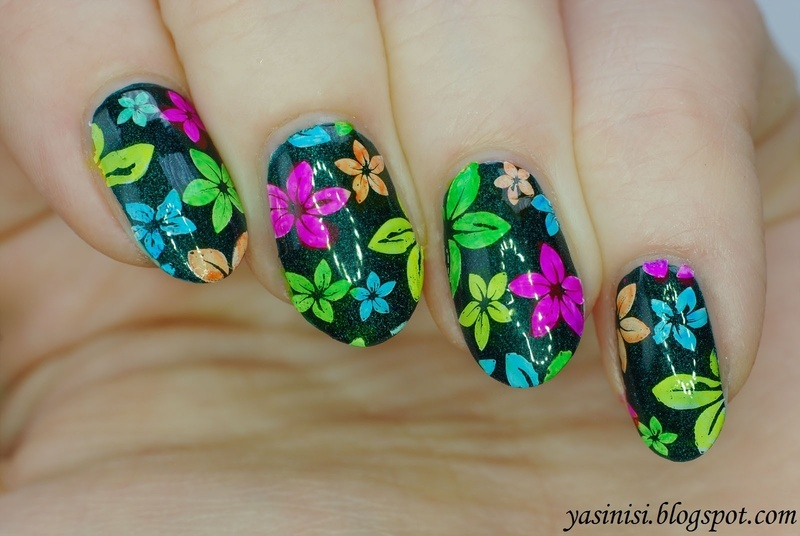 Vibrant floral manicure nail art by Yasinisi