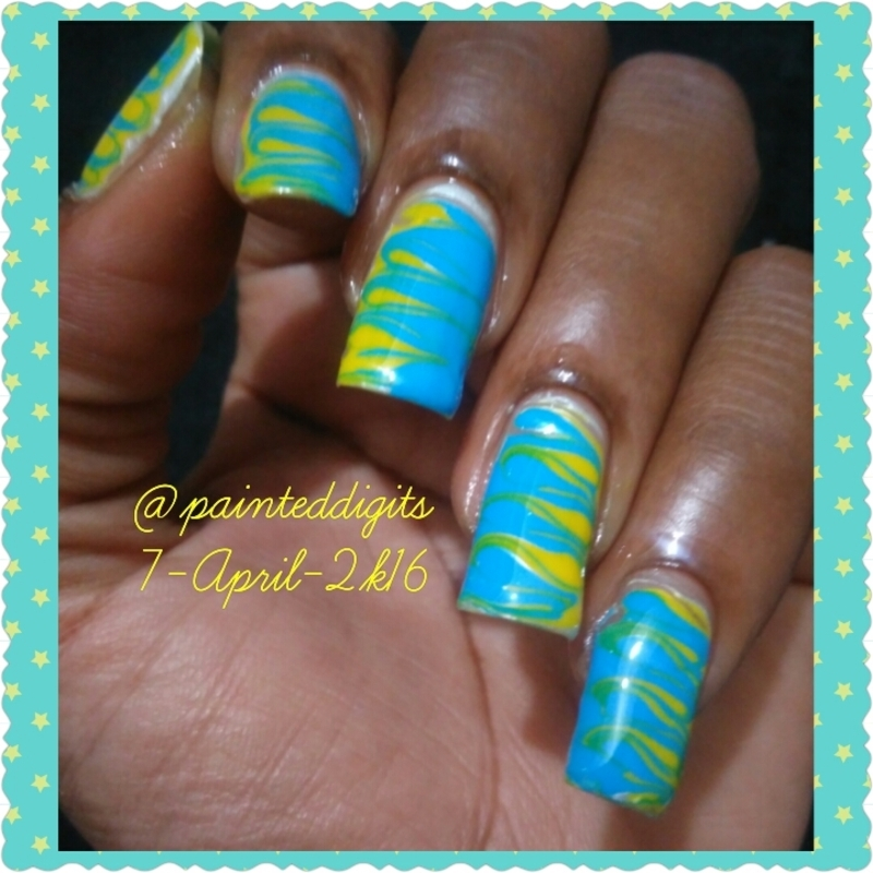 Drag Marble nail art by Painted Digits