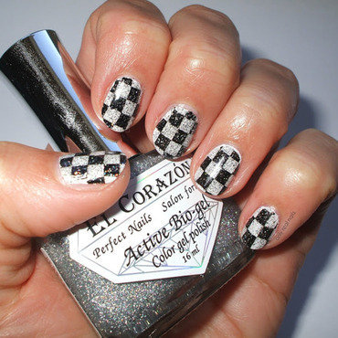Checked nail art by only real nails.