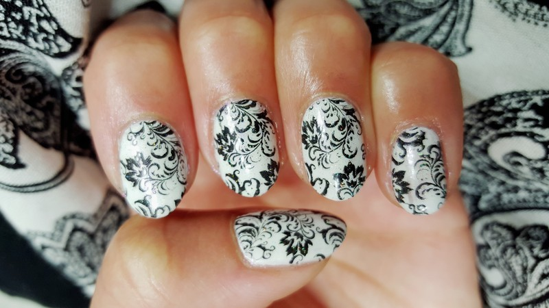 Black And White Damask Nail Art By Alisha Worth Nailpolis Museum