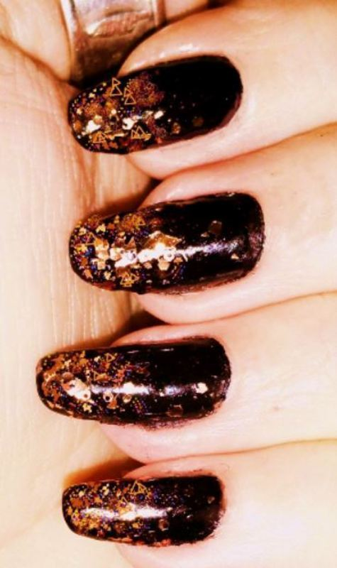 Black gold nail art by Maureen Spaulding