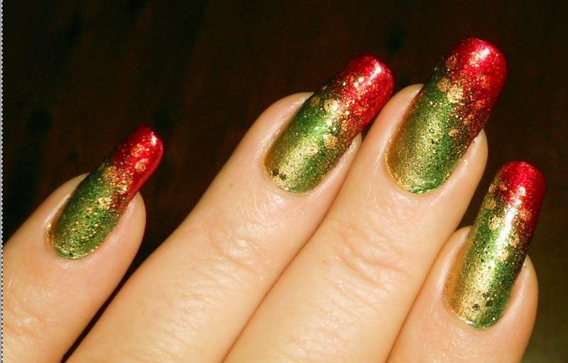 Christmas gradient nail art by Maureen Spaulding