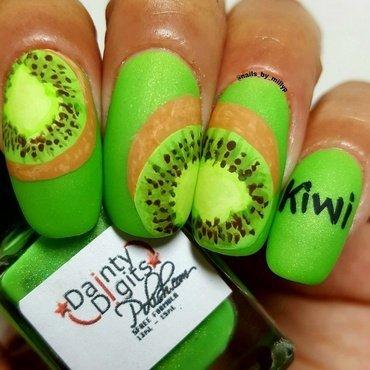 Kiwi  nail art by Milly Palma