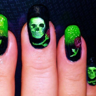Halloween Skulls and roses nail art by Maureen Spaulding