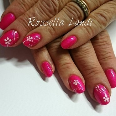 Simply pink nail art by Rossella Landi