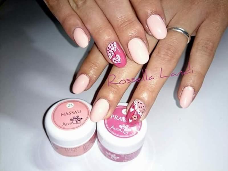 Chabby chic nail nail art by Rossella Landi