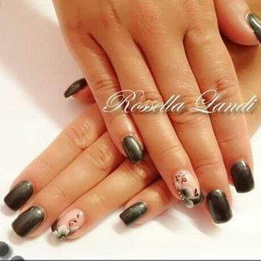 Dark  nail art by Rossella Landi