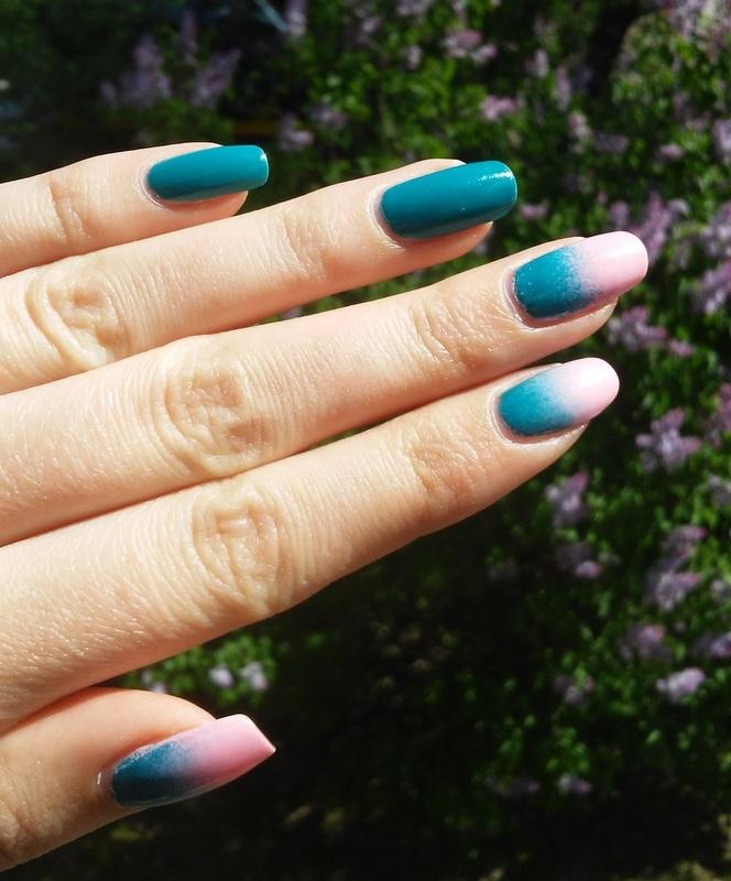 Green-pink gradient nail art by irenek