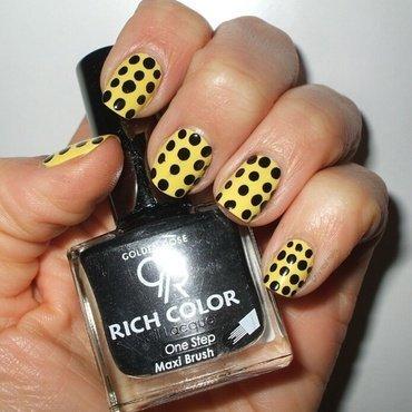 Dots nail art by only real nails.
