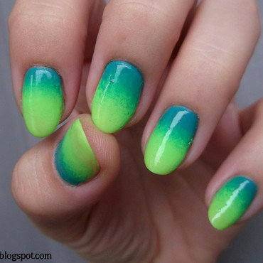Day 10: Gradient nails nail art by Sabina
