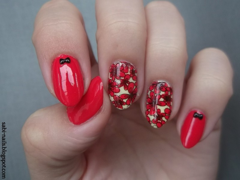 Day 14: Flowers nail art by Sabina
