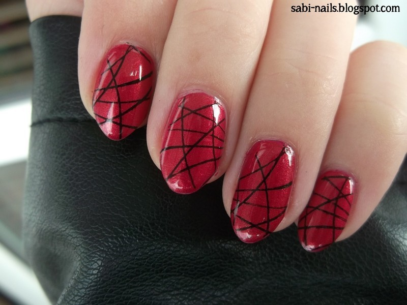 Day 15: Delicate print nail art by Sabina