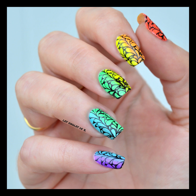 Rainbow nail art by Les ongles de B.