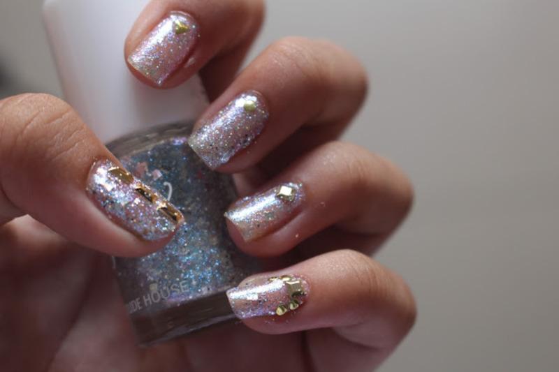 Elegant Glitters nail art by CaseyDaisies