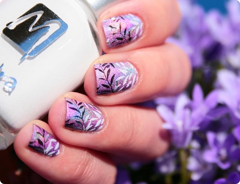 Gravity ♥ nail art by Romana