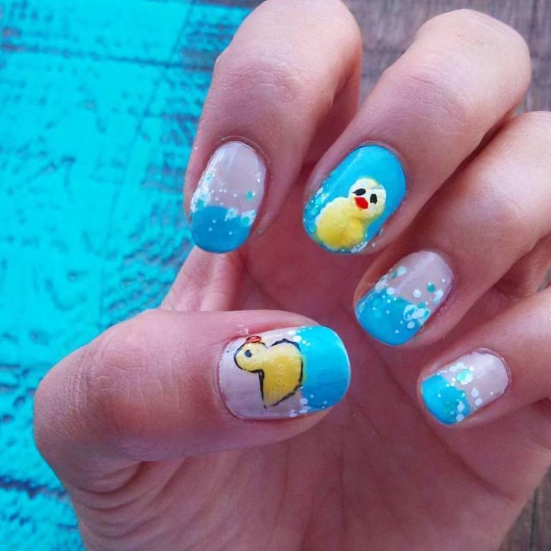 Rubber duck nail art by Luzazul