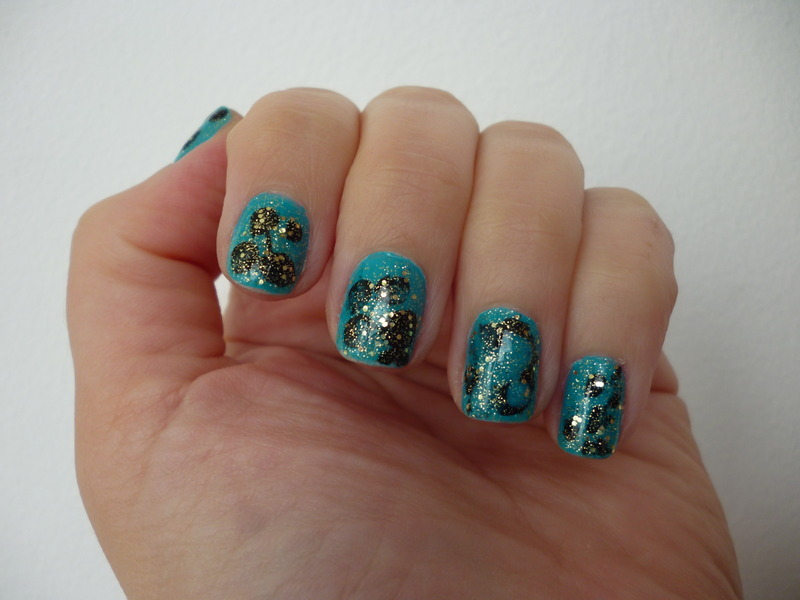 CLASSIC: turquoise, black & gold nail art by velinux