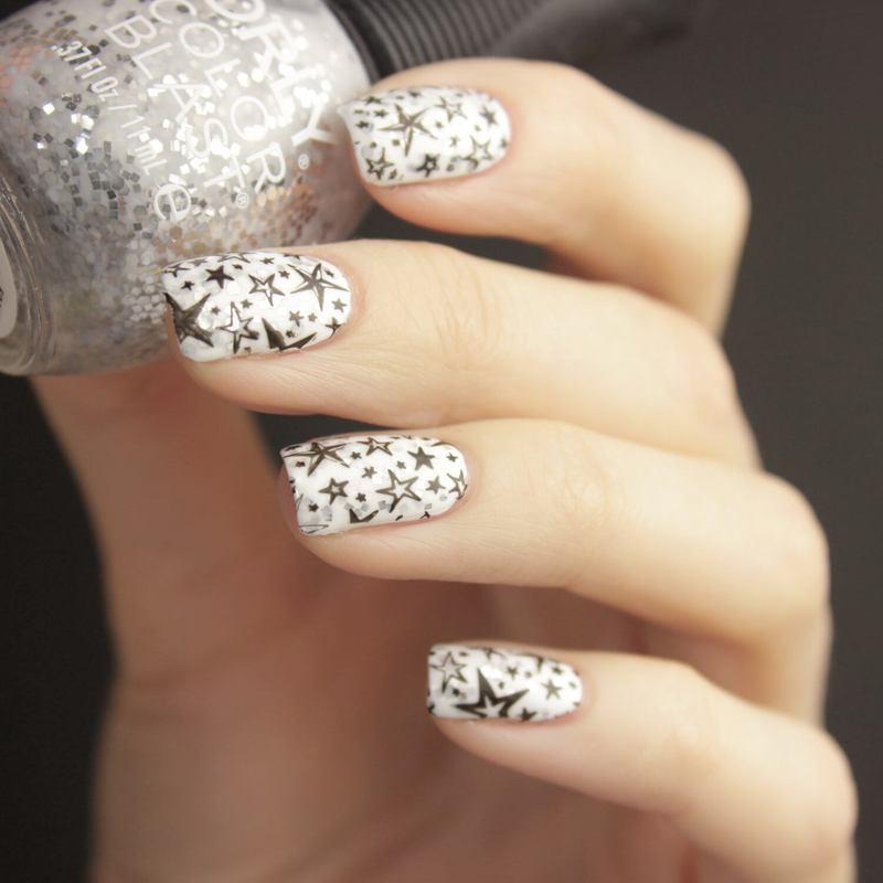 Stars nail art by Tine