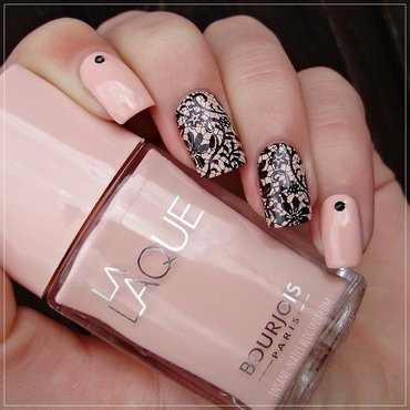 Delicate print nail art by Sanela