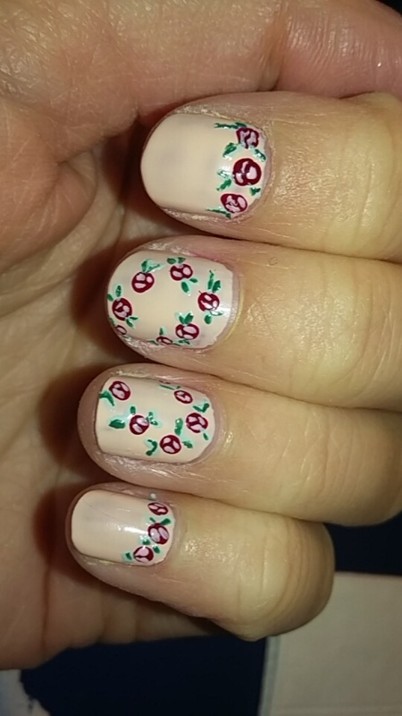 Floral Spring Nails nail art by Sophie Mácsay