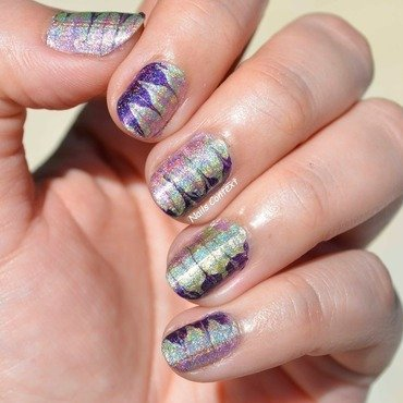 Holo 20watermarble 20nails 202 thumb370f