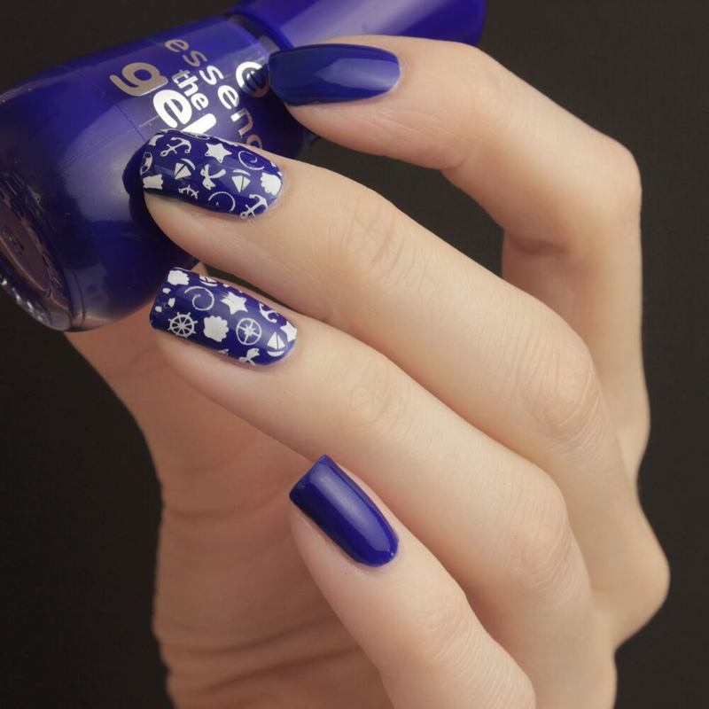 Maritime Nails nail art by Tine