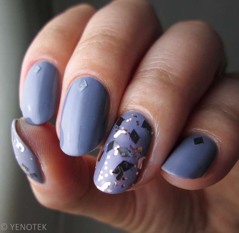 grey with glitter nail art by Yenotek
