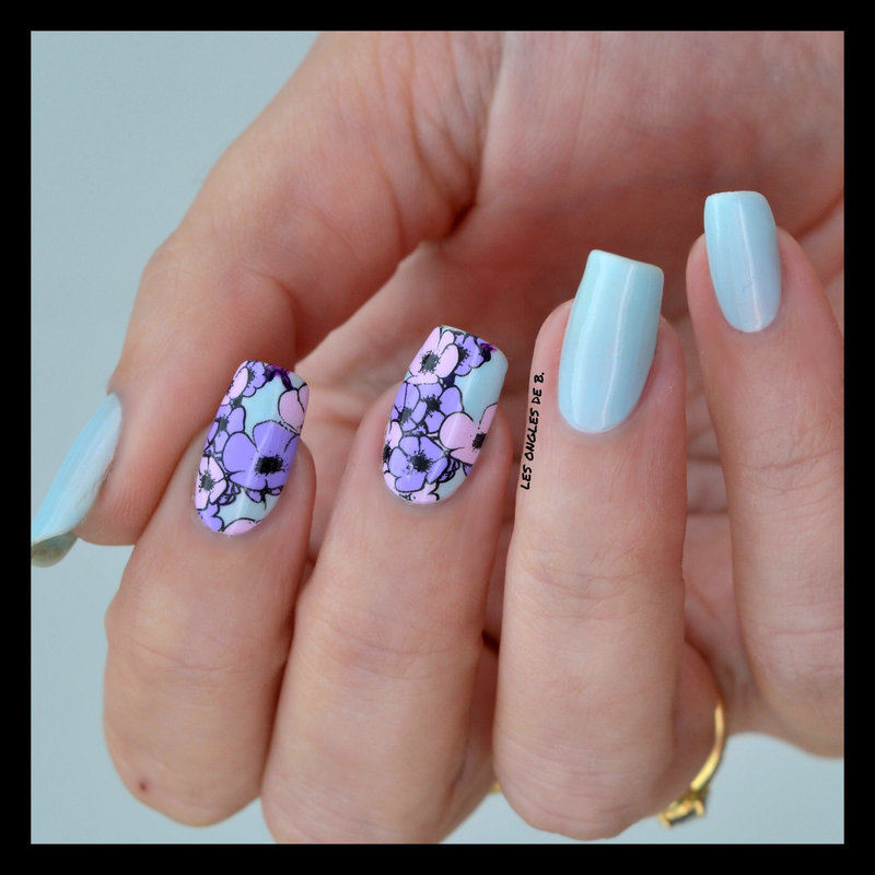 May Flowers nail art by Les ongles de B.