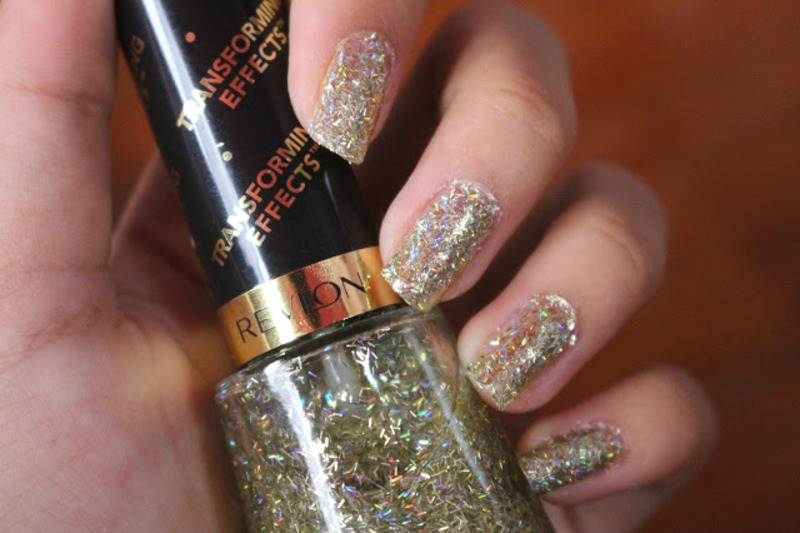 Revlon Golden Confettis nail art by CaseyDaisies