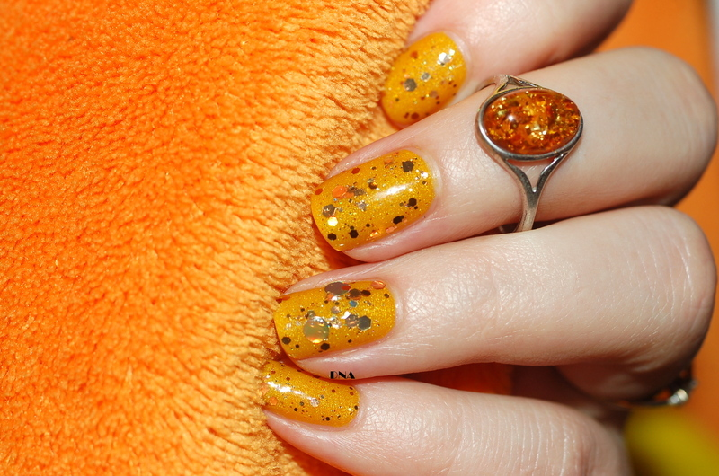 amber nail art inspired by my ring nail art by Dorothy NailAssay