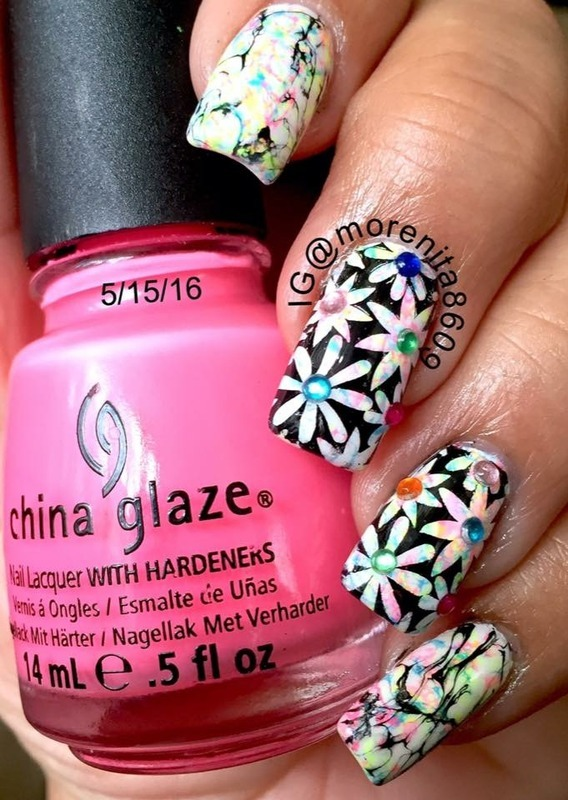 Flowers nail art by Morenita  Morena