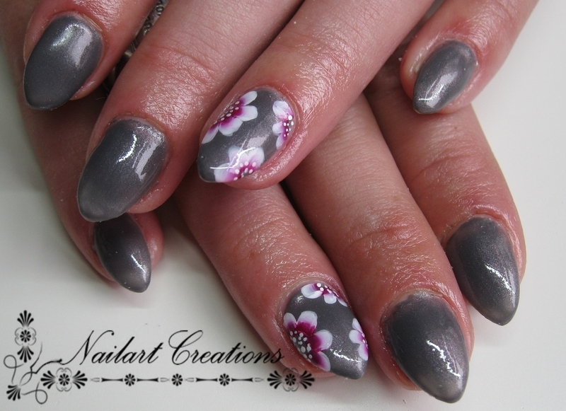 Grey One Stroke Accent nail art by Nailart Creations