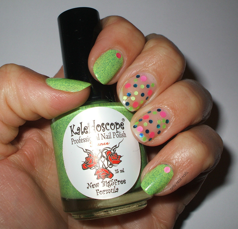 Magic Flower nail art by only real nails.