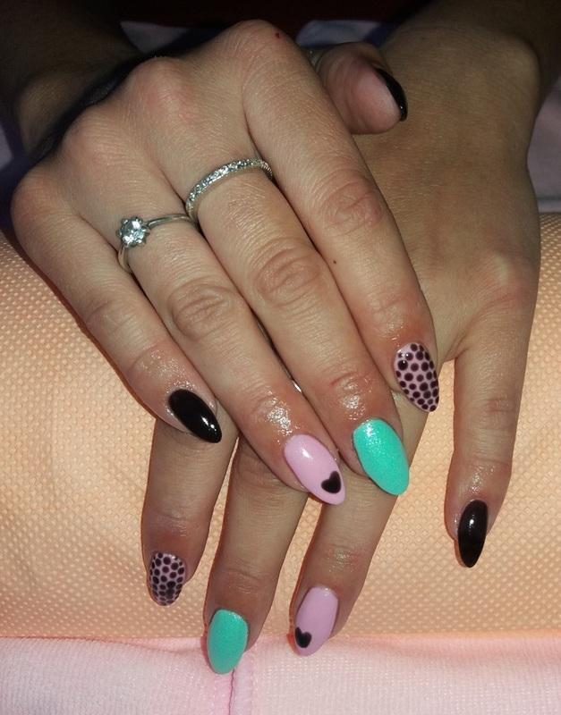 Dots and heart nail art by Magda