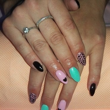 Dots and heart nail art by Magda