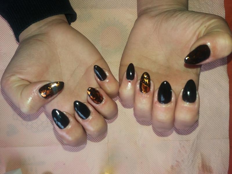 black & gold nail art by Magda
