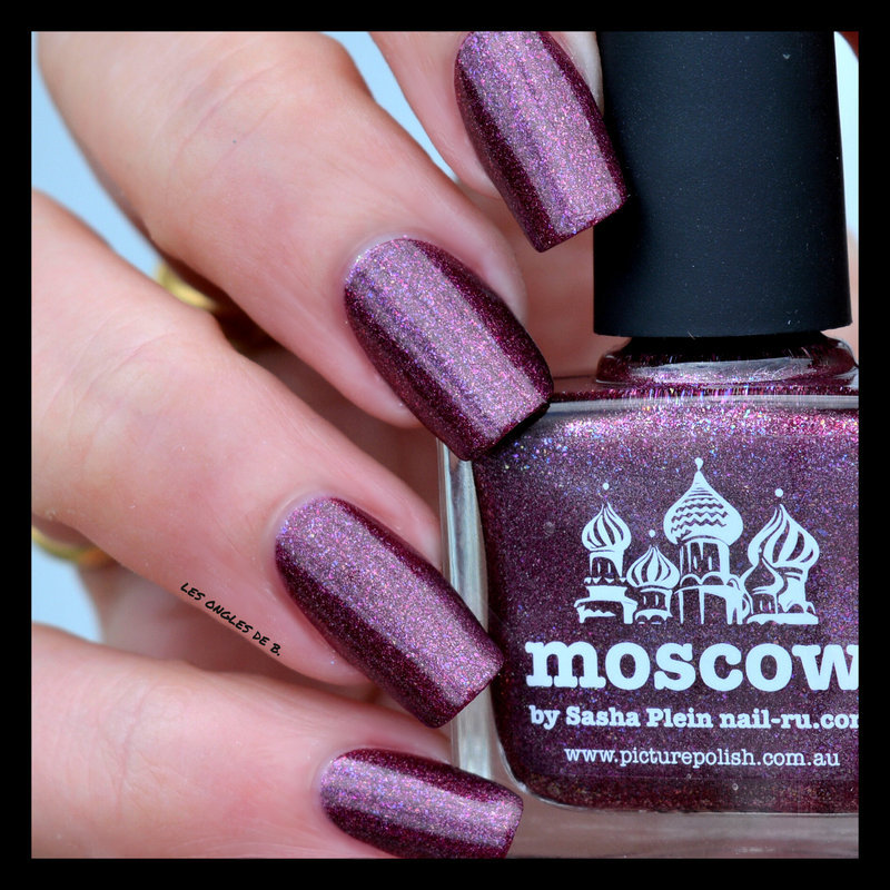 piCture pOlish Moscow Swatch by Les ongles de B.