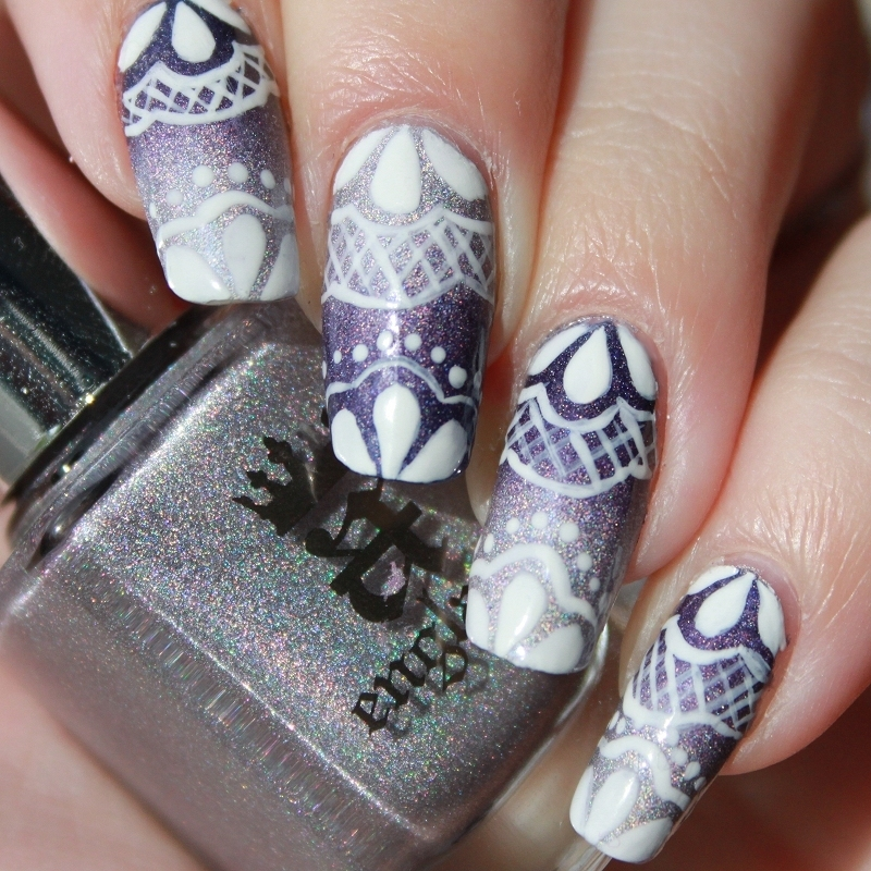 Royal Lace nail art by Lin van T