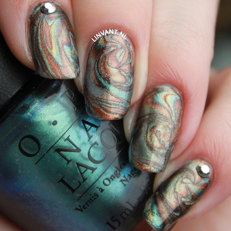 Oil Slick nail art by Lin van T