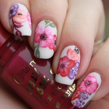 Flowers nail art by Lin van T