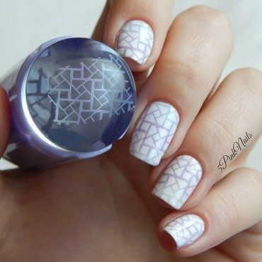Gradient geometric stamping nail art  nail art by 5PinkNails
