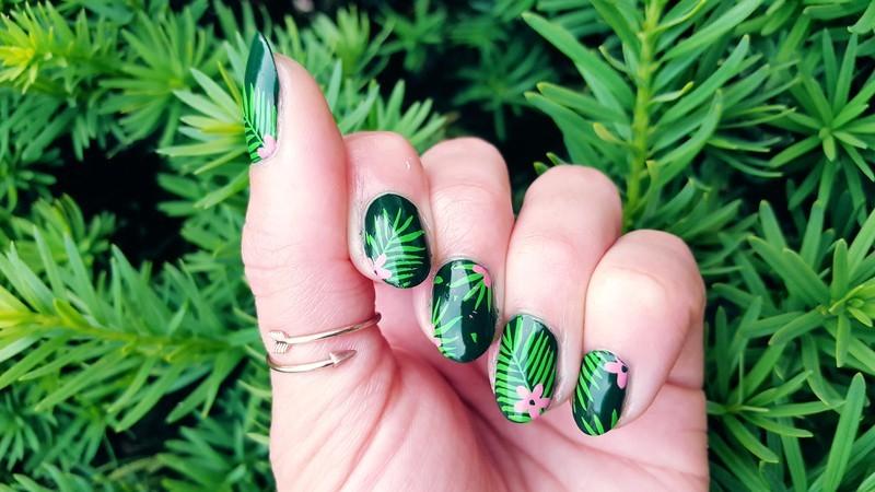 Lush and Leafy nail art by Alisha Worth