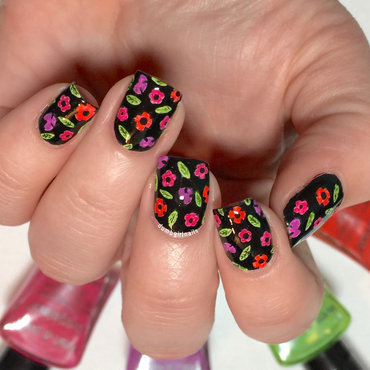 Quick Floral nail art by Michelle