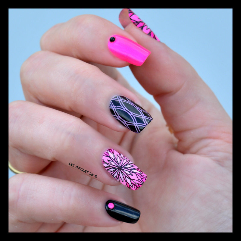Black & Pink nail art by Les ongles de B.