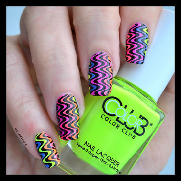 Neon on Neon nail art by Les ongles de B.