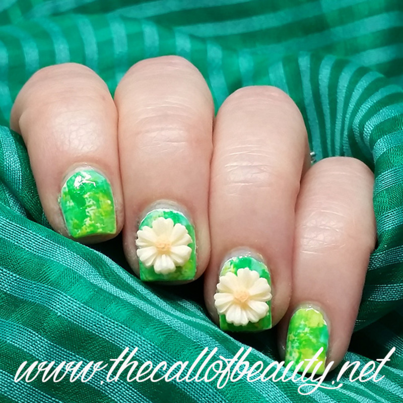 Daisies Manicure nail art by The Call of Beauty