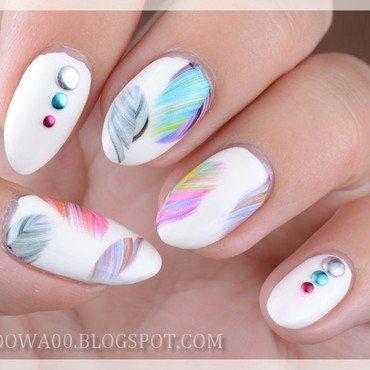 Feathers nail art by Jadwiga