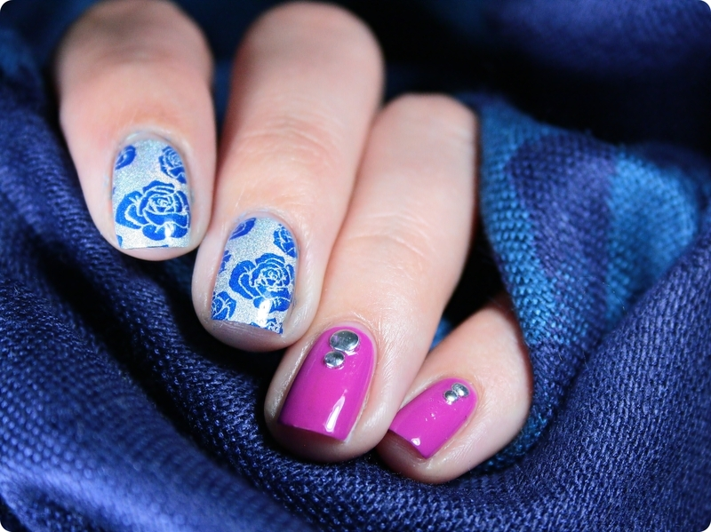 Roses are blue ♥ nail art by Romana