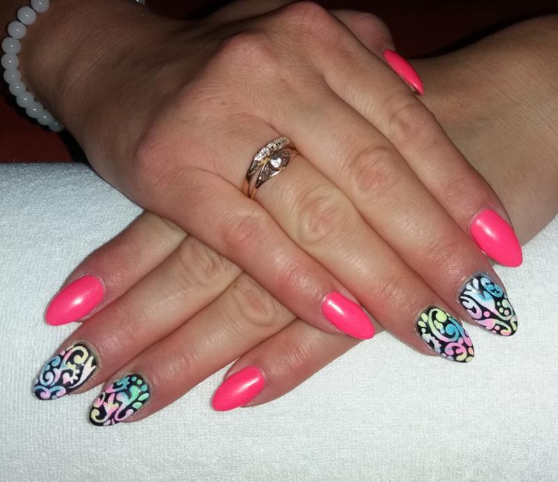 Neon pink + sugar effect nail art by Magda