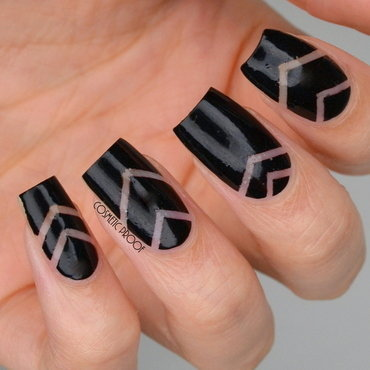 Negative 20space 20chevron 20nail 20art 20 1  thumb370f